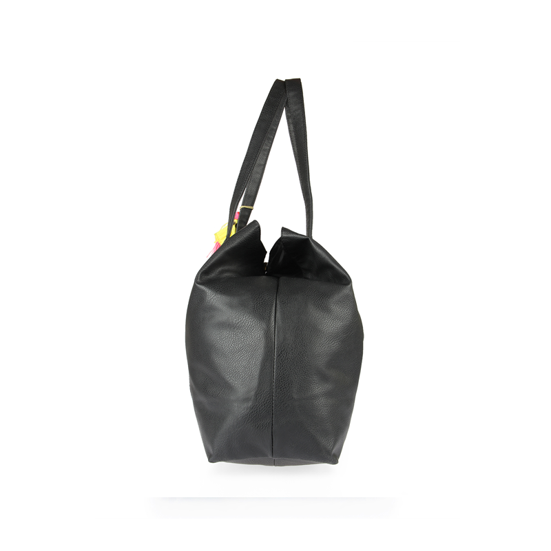 Polaroid Camera Tote: black