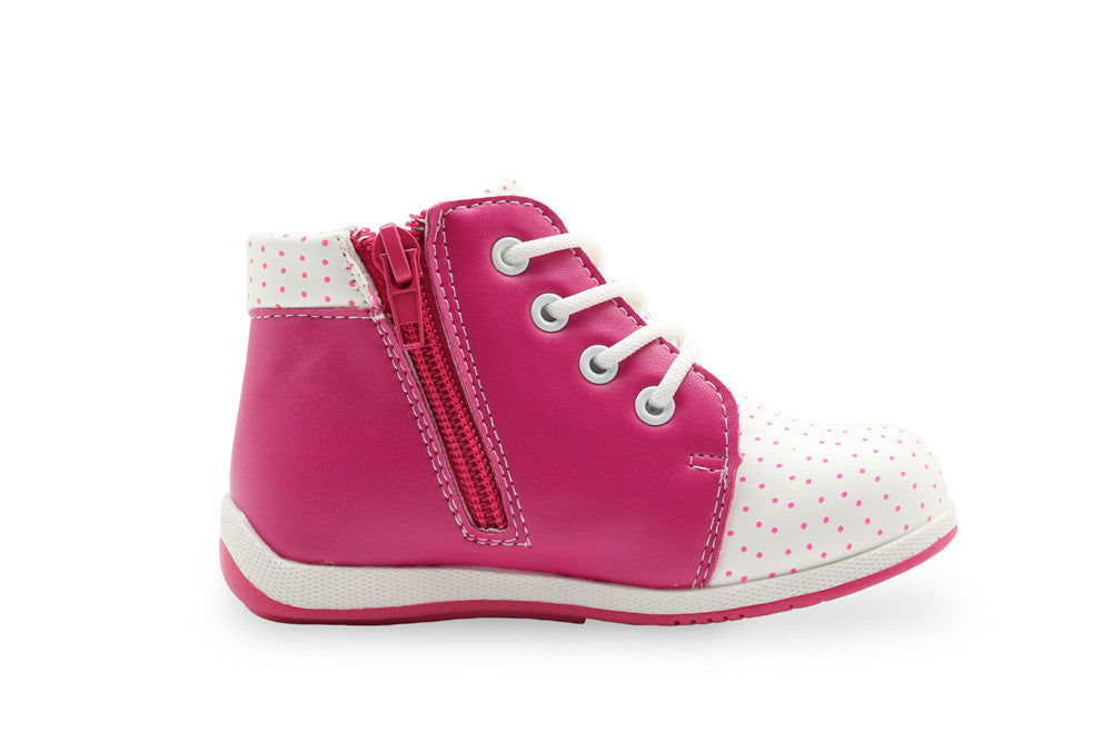 Apakowa Cute Girls Boots New Fashion Love Heart Crystal Kids Shoes Baby Toddler Girls Boots Casual Leather Children Boots - KiddyLanes