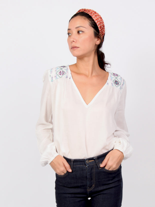 Pamelia | Embroidery long sleeve tops