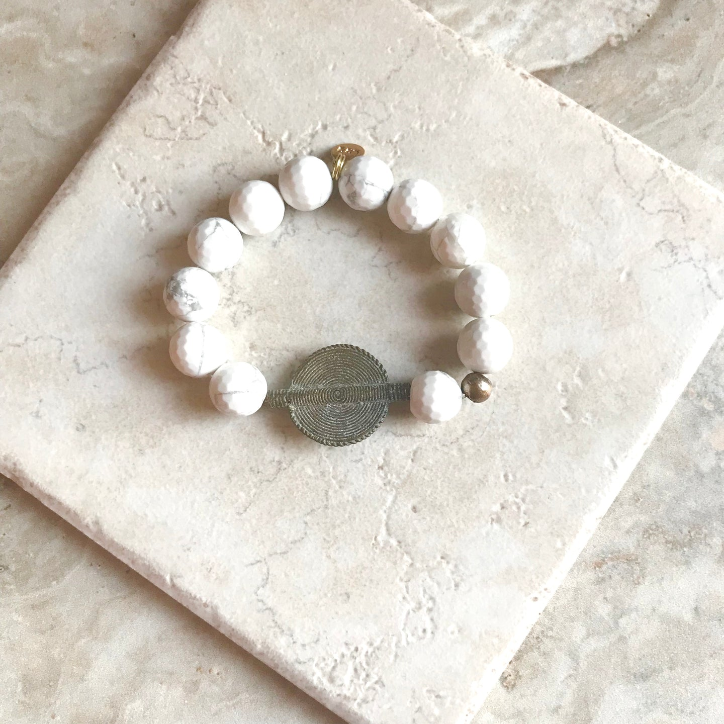 Faceted White Howlite Baule