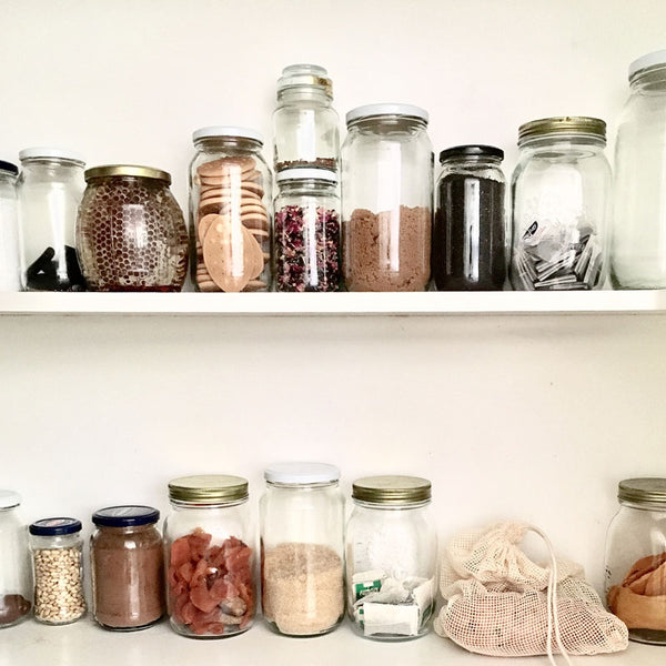 Eco Tip of the Week: How To Organise Your Pantry With Glass Jars