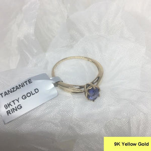 Size 9 (UK R-S), Tanzanite, 9K 375 Yellow Gold Ring tgw, 0.70 cts (+ ring size adjuster)