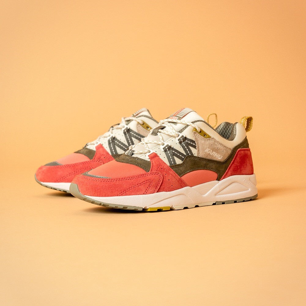 Karhu 'The Month of the Pearl' Pack