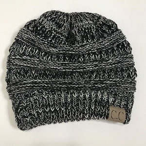 Soft Knit Beanie Tail Black&white