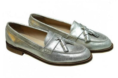SHOES - KILTE SILVER  / CALF SKIN SILVER LOAFER WITH LEATHER TASSLES