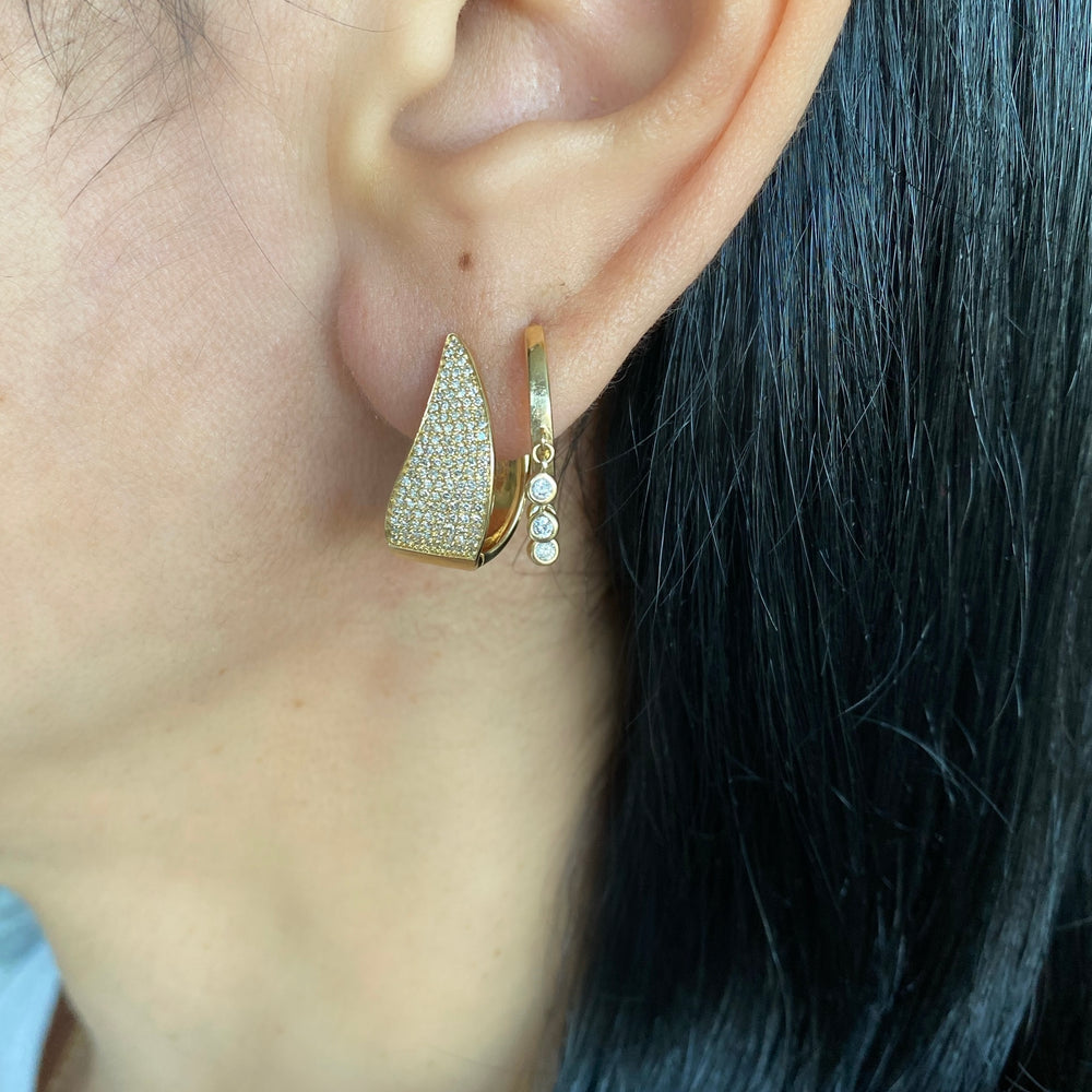 14KT Gold Diamond Claw Earrings, NEW