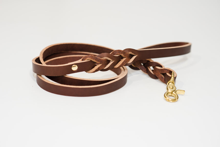 leather_dog_leash