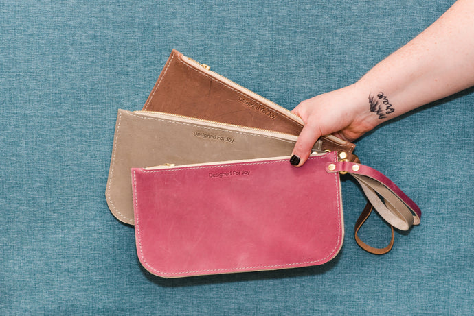 slim_wristlet_leather