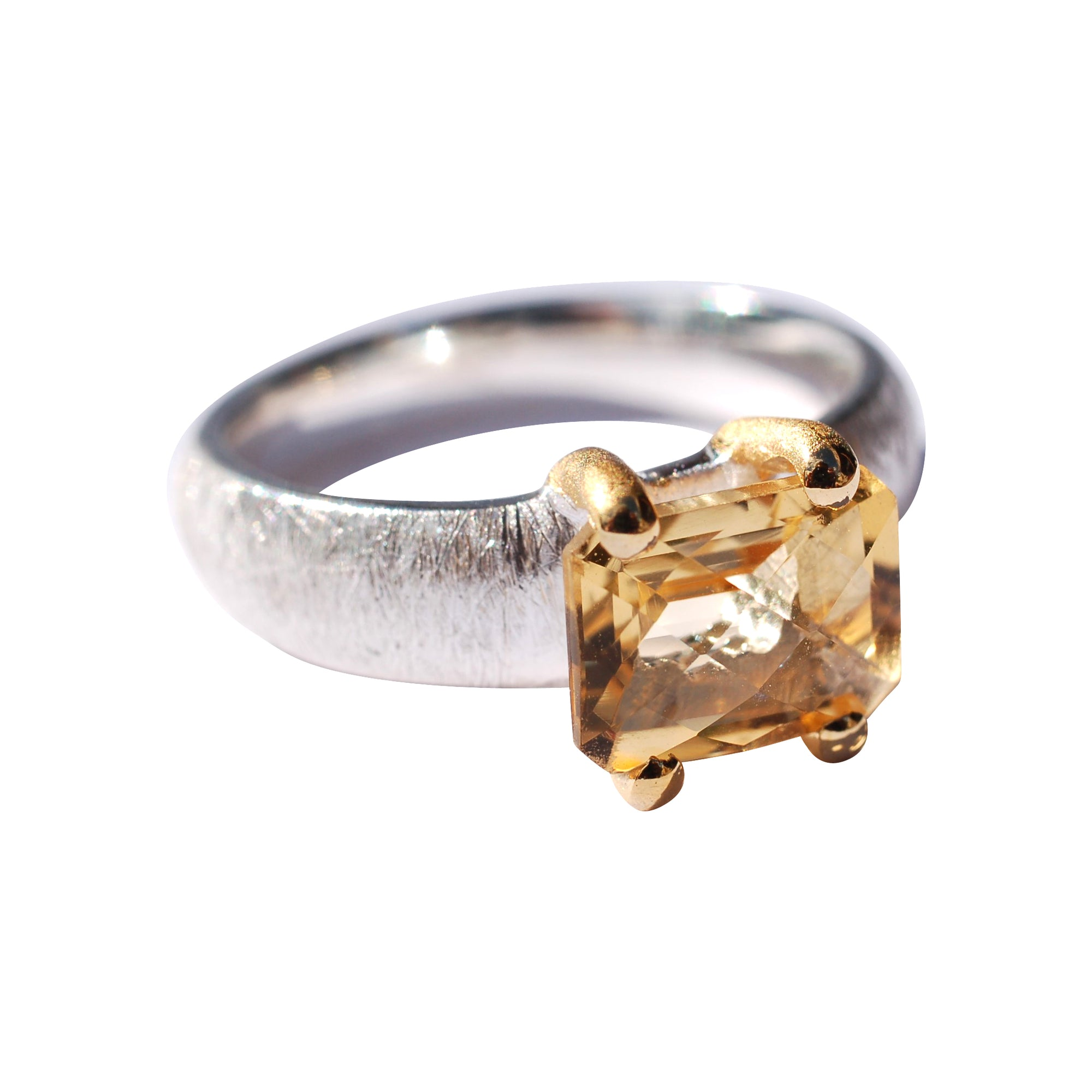 Citrine ring medium