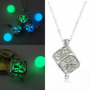 [FREE!] Glow in The Dark Rubicks Cube Necklace [Cover Shipping Only]. - Neko Suki,