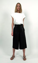 Load image into Gallery viewer, Linen Cropped Wide-leg Pants