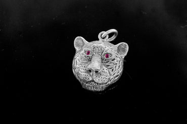 Leopard Pendant/Ruby Eyes