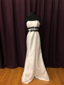 Alexia Size 6 White Black Lace Sash Formal Dress