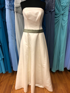 Alfred Angelo Size 10 Ivory Belt  Wedding Dress