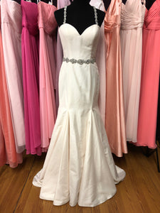 Alfred Angelo Size 8 Ivory Rhinestone Wedding Dress