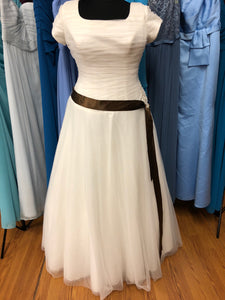 Allure Bridal Size 20 Ivory Tulle Cap Sleeve Bead Belt Wedding Dress