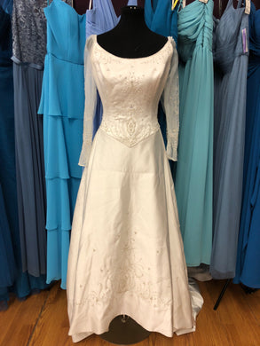 Allure Size 16 Ivory Sequin Bead Sleeve Wedding Dress