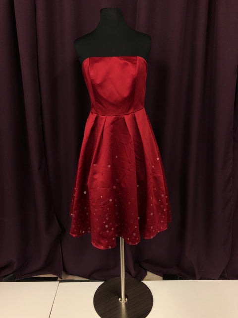 Davids Bridal Size 8 Red Sequin Strapless Formal Dress Bride To