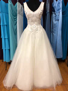 Lady Eleanor Size 10 Ivory Bead Sequin Pearl Wedding Dress