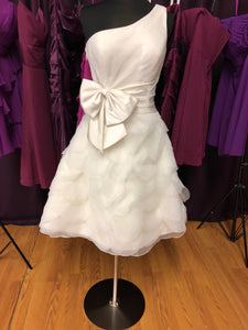 Lilly Pulitzer Size 10 Ivory One Shoulder Tea Length Bow Wedding Dress