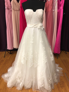 Lis Simon Size 14 Ivory Lace Belt Flower Tulle Wedding Dress