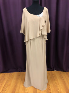 Mon Cheri Size 12 Brown Long Broach Formal Dress