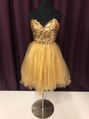 Night Moves Size 4 Gold Sequin Short Formal Dress