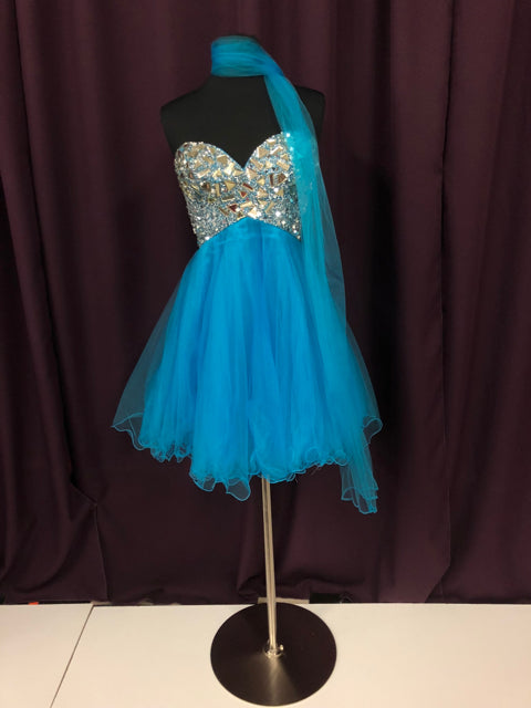 Night Moves Size 8 Blue Bead Sash Formal Dress