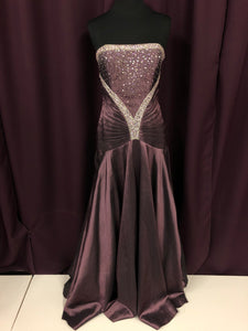 Night Moves Size 8 Purple Sequin Formal Dress