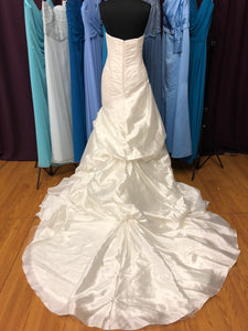Pronovias Size 12 Ivory Pick-ups Rouching  Wedding Dress