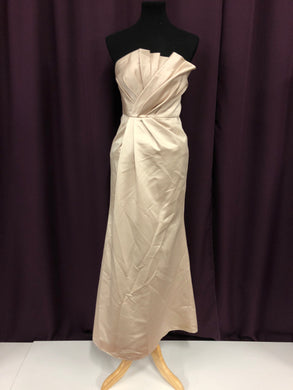 Vera Wang Size 2 Champagne Formal Dress