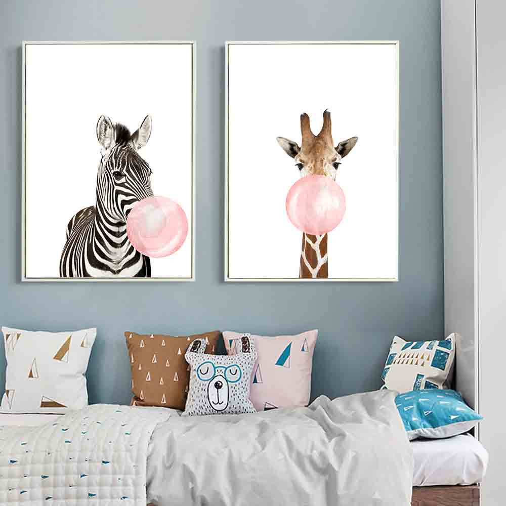 d coration poster toile girafe bubble gum trendisy. Black Bedroom Furniture Sets. Home Design Ideas