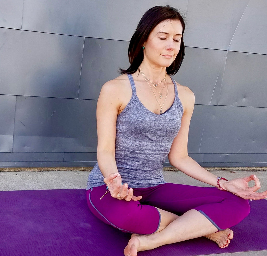 5 Minute Meditation to De-Stress This Holiday Season