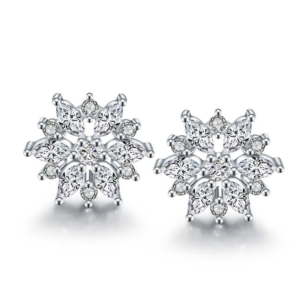 18K Italian White Gold Diamond Stud Earring - Cozzoo
