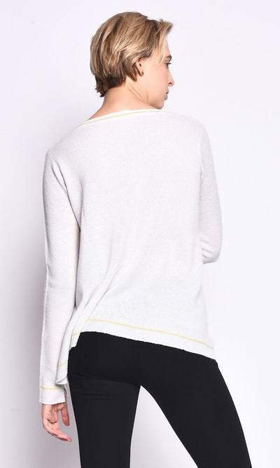 3VERY Light Flare Round Neck w. Accent