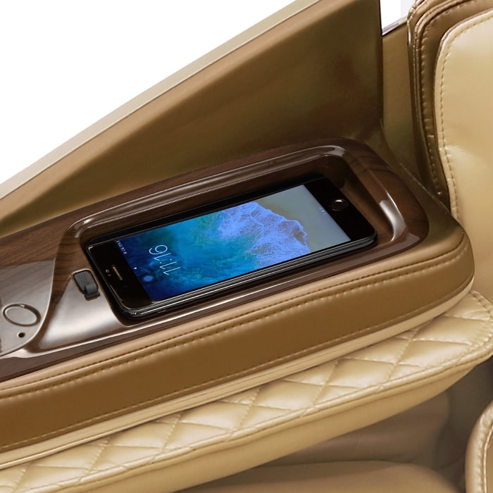 Daiwa Supreme Hybrid Massage Chair in Champagne Wireless Charging