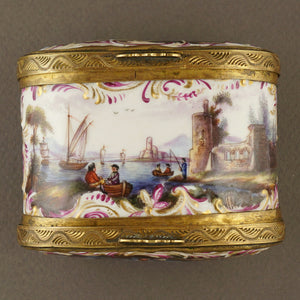 Antique 18th century Meissen Porcelain Hand Painted Snuff Box