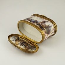 Load image into Gallery viewer, Meissen porcelain German snuff box double lids