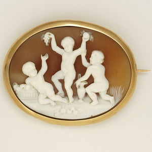 antique French 18k gold carved shell cameo brooch