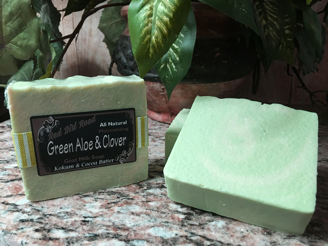 <center>Green Aloe & Clover<br> <small><small>Goat Milk Soap</small></small>