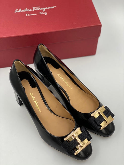 Zapatos Salvatore Ferragamo Preto Pumps (7.5)