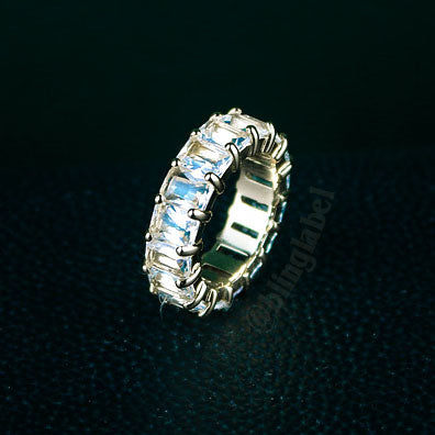 Exquisite Baguette Ring in Gold (7mm)