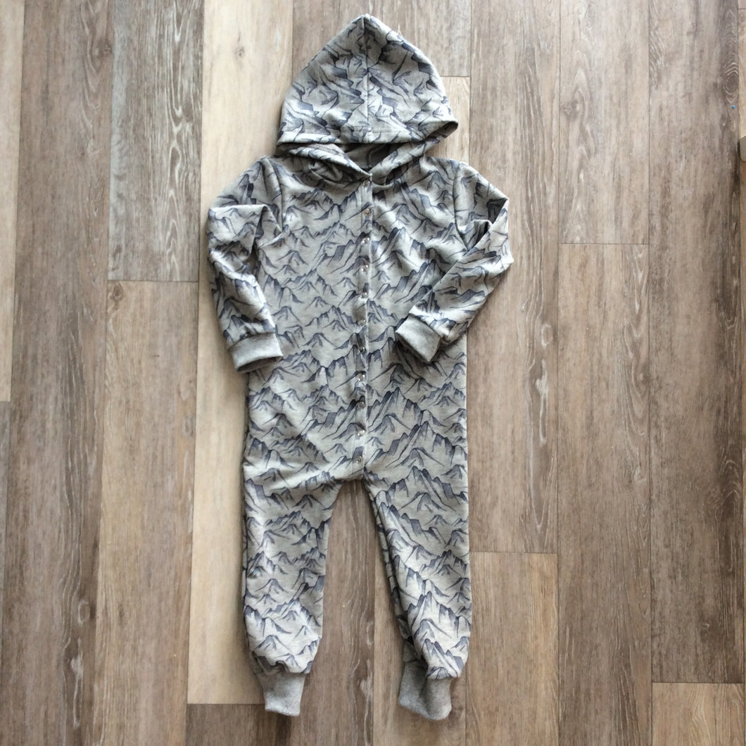 Shaun Hooded Romper in Mountain