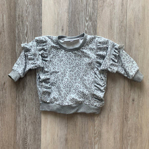 The Lyse Ruffle Sweater in Grey Leopard