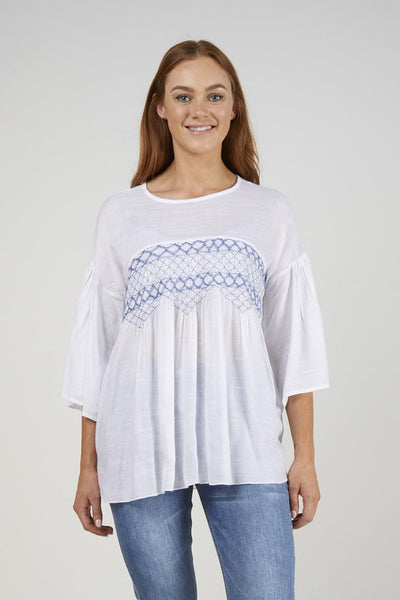 Ellis & Dewey Embroided front top White/Blue