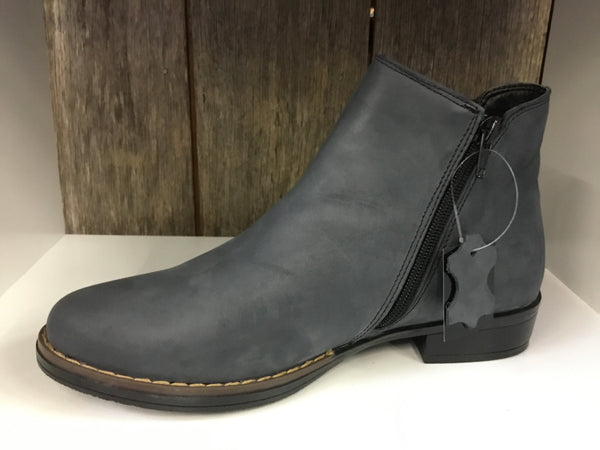 Jemma Askin Black Oil Boot