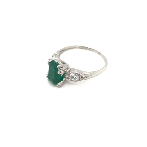 MID CENTURY 1.50 CARAT NATURAL EMERALD AND DIAMOND PLATINUM RING