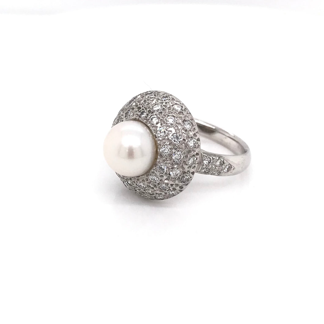 CONTEMPORARY PEARL AND DIAMOND RING