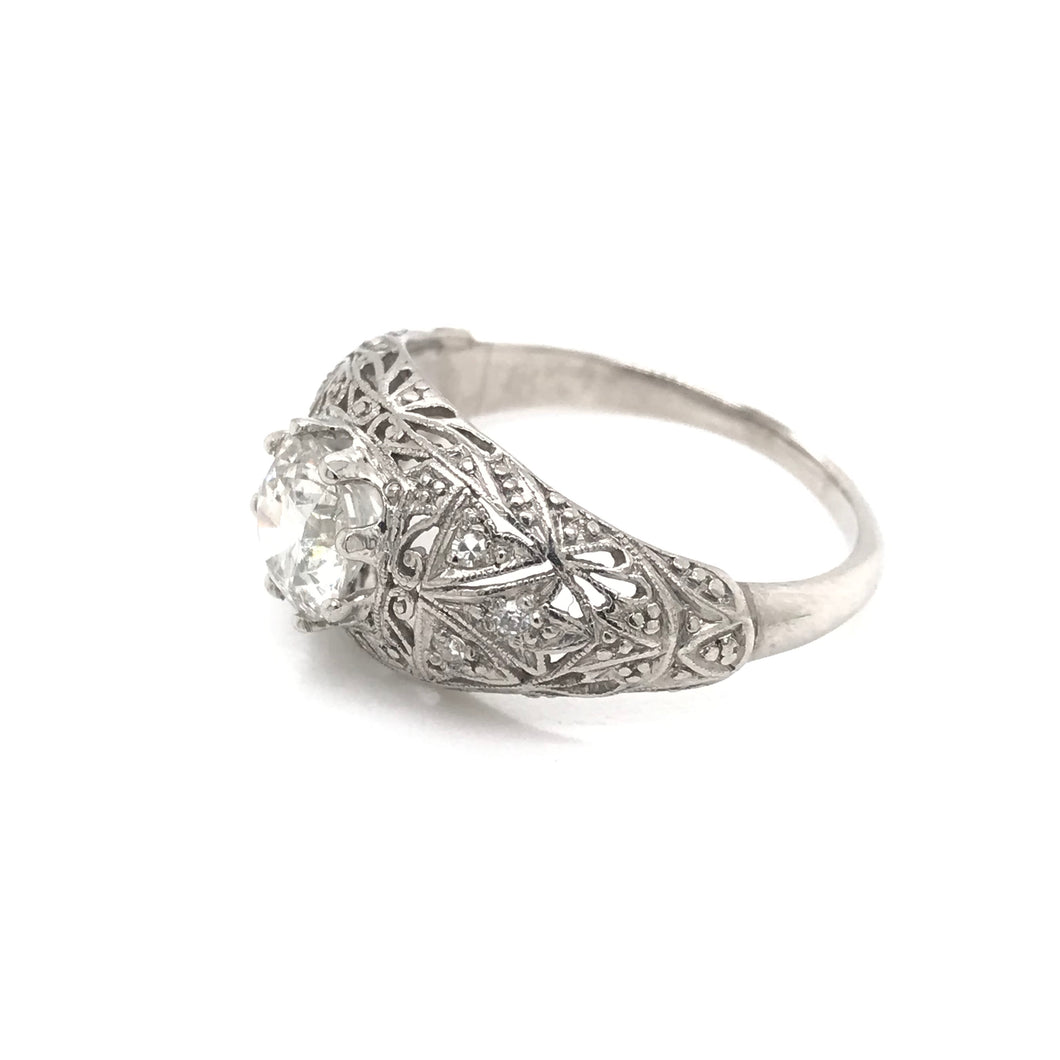 ANTIQUE 1.15 CARAT DIAMOND AND PLATINUM FILIGREE RING