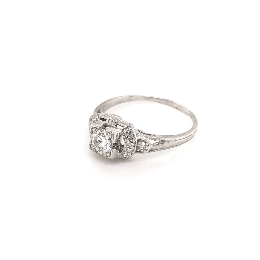 ANTIQUE 0.35 CARAT PLATINUM DIAMOND RING